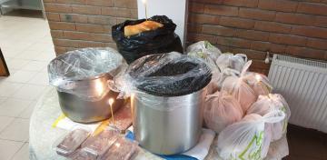 Arhiepiscopia Dunării de Jos oferă zilnic mâncare persoanelor fără adăpost, celor din carantină şi asistaţilor sociali