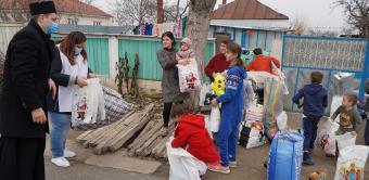"""Ediţia a 7-a a activităţii social-filantropice """"Bucuria de a dărui"""" în Eparhia Dunării de Jos"""