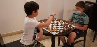 Cursuri și concursuri de șah pentru copii la Brăila