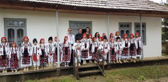 Tineri din satul românesc din sudul Moldovei în vizită la locuri emblematice din București