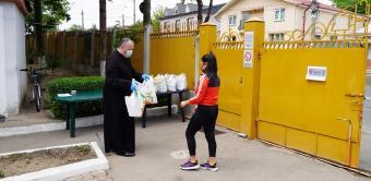 """Daruri oferite de Asociației Filantropică """"Sfântul Vasile cel Mare"""" din Galați copiilor asistați"""