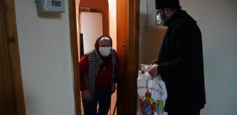 Faptele bune pentru familiile nevoiaşe continuă în municipiul Brăila