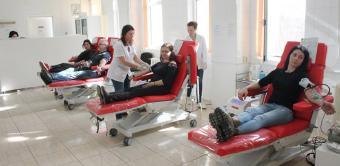 În Eparhia Dunării de Jos continuă mobilizarea pentru donarea de sânge