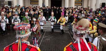 """Festivalul de datini şi obiceiuri la Naşterea Domnului şi Anul Nou """"Tudor Pamfile"""" la Galaţi"""