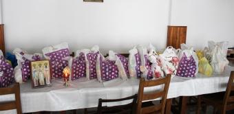 Arhiepiscopia Dunării de Jos oferă zilnic hrană persoanele izolate la domiciliu