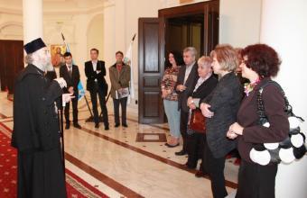 Elevii olimpici la istorie şi profesorii lor au vizitat Muzeul Istoriei, Culturii şi Spiritualităţii Creştine de la Dunărea de Jos