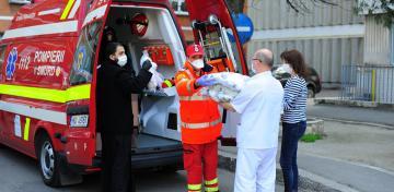 Arhiepiscopia Dunării de Jos oferă 10.000 de măşti de protecţie pentru personalul medical, auxiliar şi pacienţii din Spitale