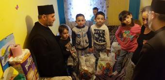 """""""Ne înnoim de Sfintele Paşti"""" – program social-filantropic desfăşurat în Arhiepiscopia Dunării de Jos"""