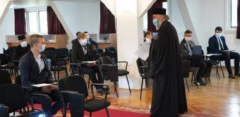 """Elevii Seminarului Teologic """"Sf. Andrei"""" din Galaţi au început pregătirile pentru examenele naţionale"""