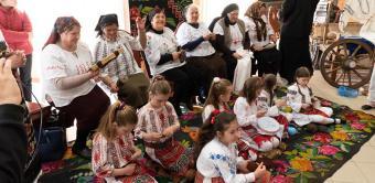 """Şezătoarea """"Tradiţii şi obiceiuri în satul movilean"""""""