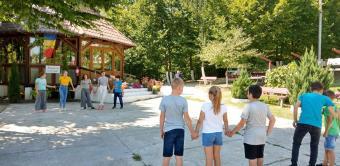 """210 copii prezenţi la Tabăra """"Lumina vie a mănăstirii în inima copilăriei"""", desfăşurată în cadrul Protopopiatului Nicoreşti"""