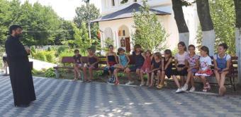O nouă tabără de vară la Mănăstirea Toflea