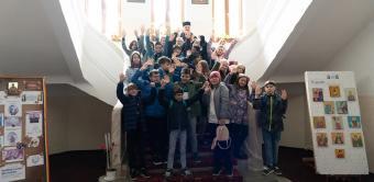 """Oaspeţi în vizită la Aşezământul social-filantropic """"Sf. Vasile cel Mare"""" din Galaţi"""